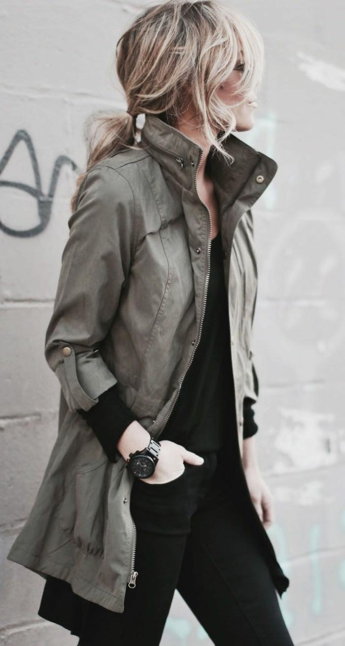 canadienne-veste-kaki-femme-blonde-vert-militaire-veste-cool-tenue