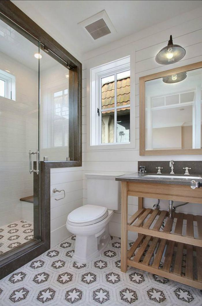 carreaux-de-ciment-rangement-sous-vasque-en-bois-grande-cabine-de-douche