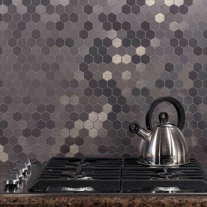 carrelage-adhesif-mural-mosaique-pour-les-murs-dans-la-cuisine-moderne