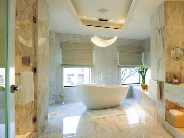 Le carrelage salle de bain quelles sont les meilleures id es - Petite baignoire ronde ...