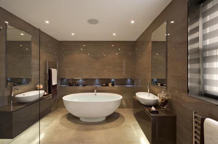 carrelage-de-salle-de-bain-carrelage-idée-inspiration-ronde-baignoire-carrelage-brune