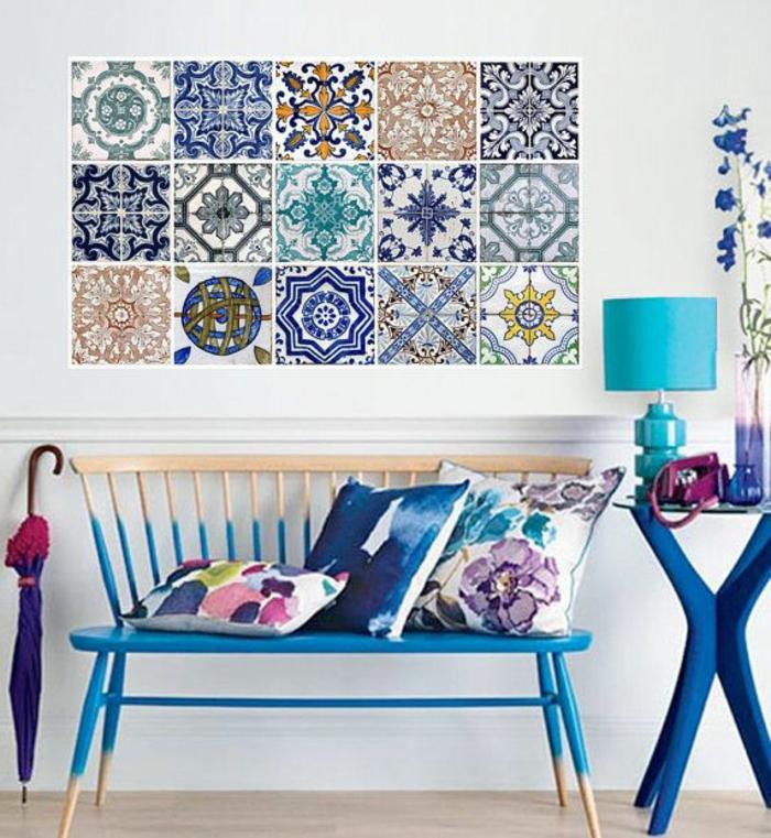 carrelage-mural-lapeyre-pour-l-entrée-de-votre-maison-moderne-sol-en-parquet-clair-meubles-colorés