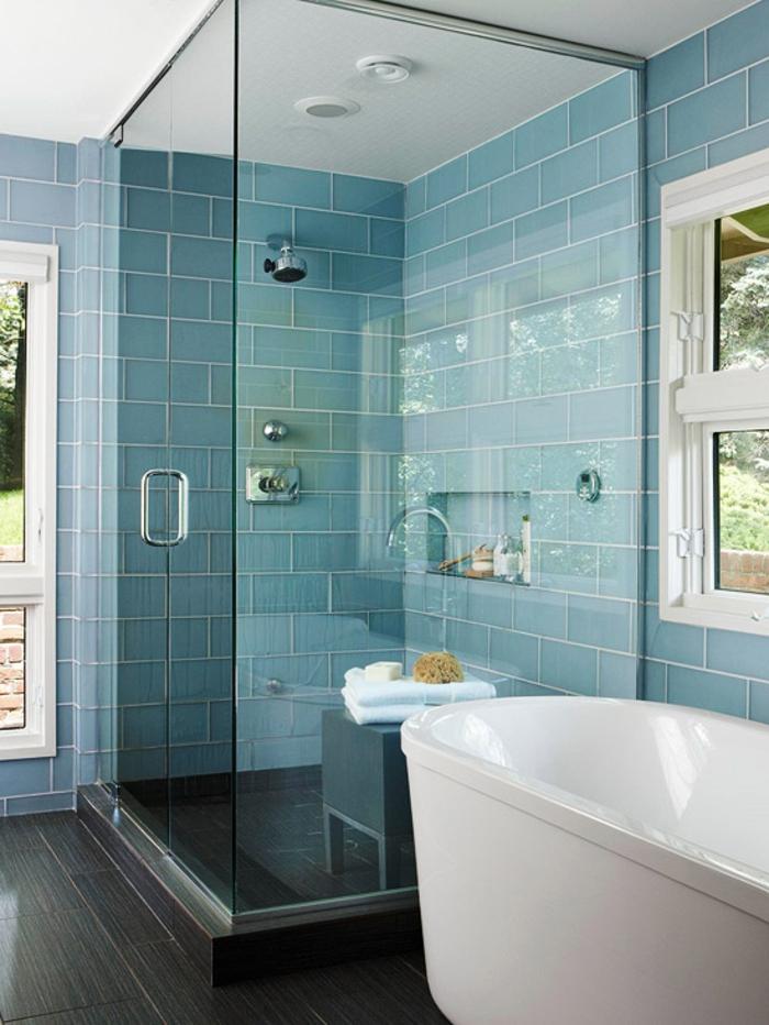 Le carrelage salle de bain quelles sont les meilleures for Salle de bain gris et bleu
