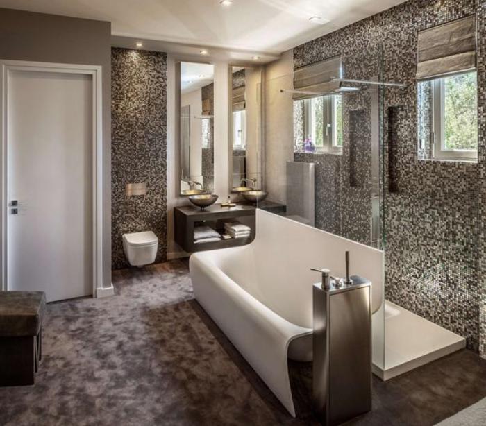 carrelages-salle-de-bain-belle-douche-baignoire-menage-baignoire