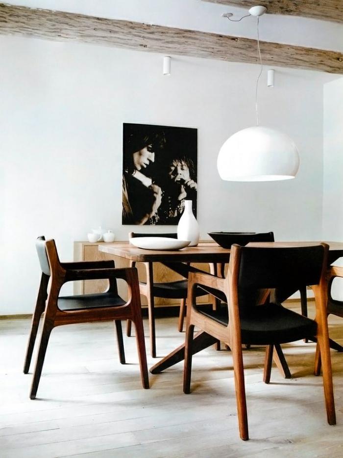 chaise-scandinave-chaises-en-bois-et-cuir-décor-simple