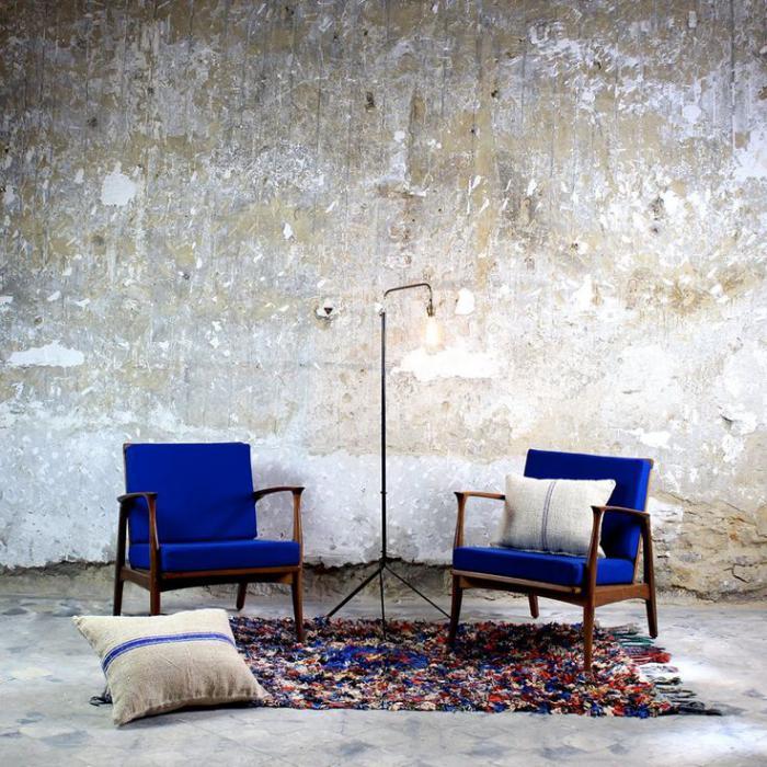 chaise-scandinave-deux-fauteuils-scandinaves-bleus