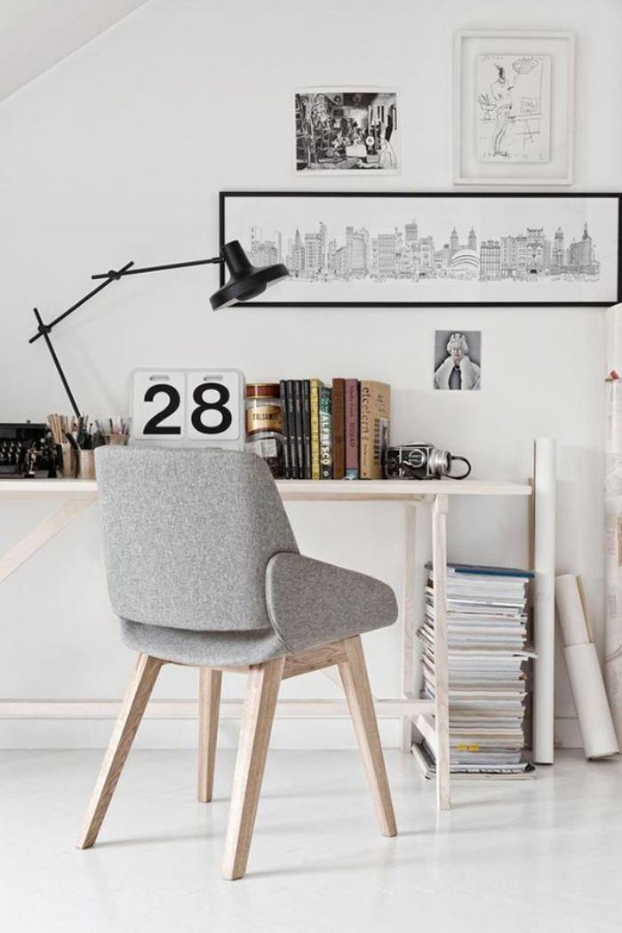 chaise-scandinave-en-bois-et-gris-office-de-travail-à-la-maison