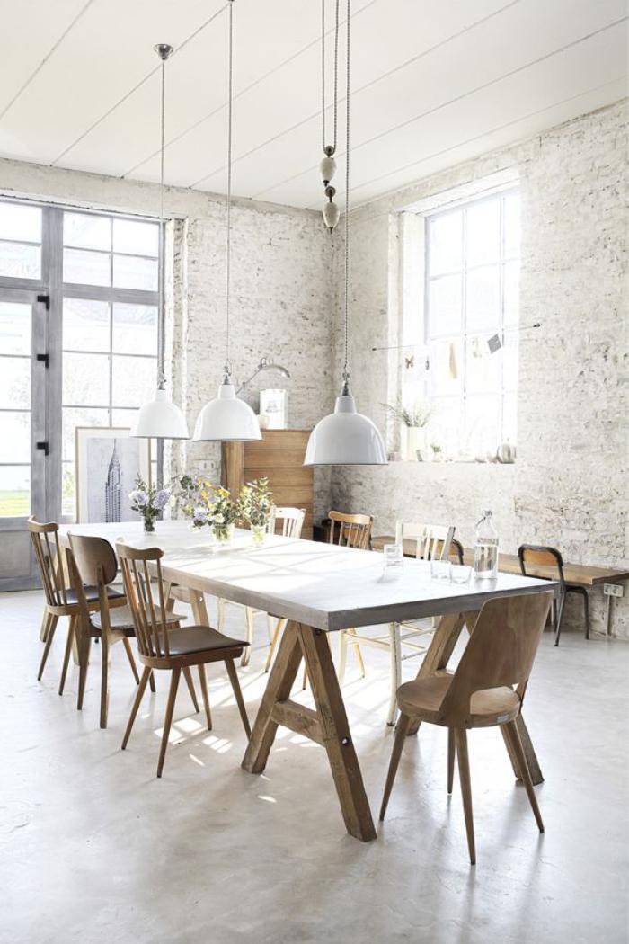 chaise-scandinave-table-de-déjeuner-longue-appartement-loft-scandinave