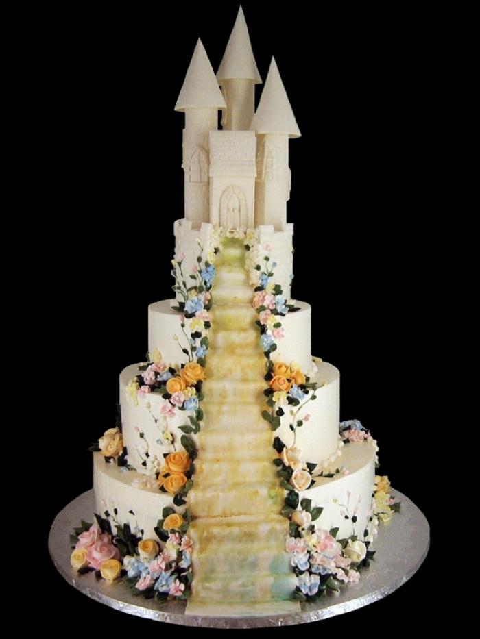 chateau-gateau-mariage-étages-gâteau-château-blanc-fondant-fleurs-déroration-gateau