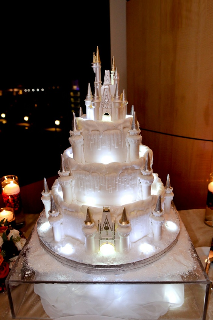 le gâteau château pour le mariage des contes de fées