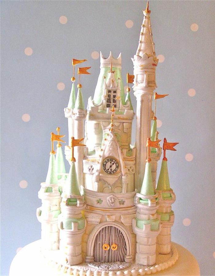 chateau-gateau-mariage-jardin-belle-idée-la-tour-horloge-beauté
