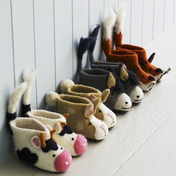 chaussures-enfants-pantoufles-bébé-jolie-image-déco-maison