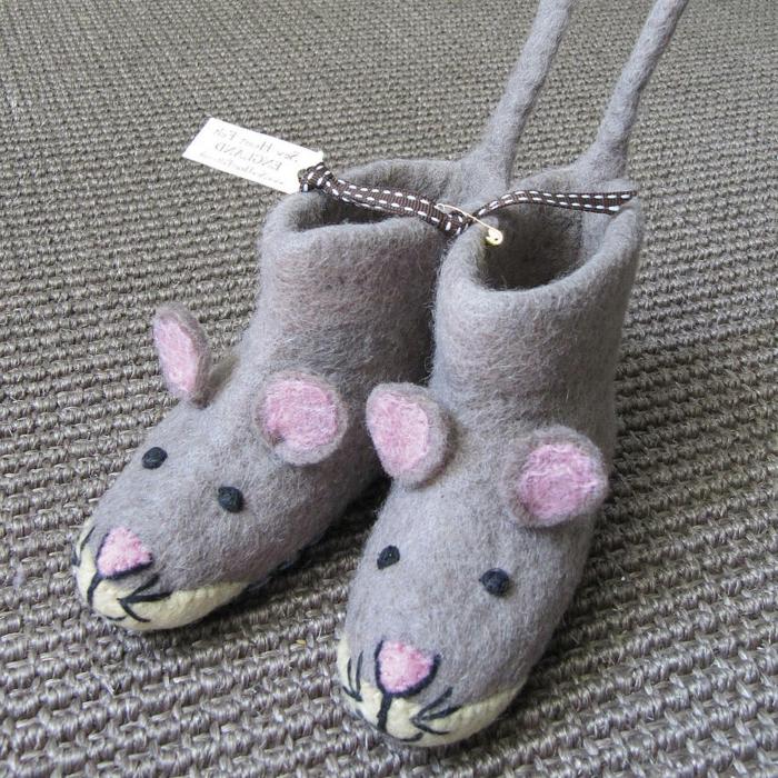 chaussures-enfants-pantoufles-bébé-jolie-image-les-sourises