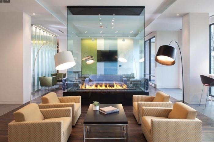 cheminée-centrale-cheminée-design-intérieur-idées-fauteuils-modernité