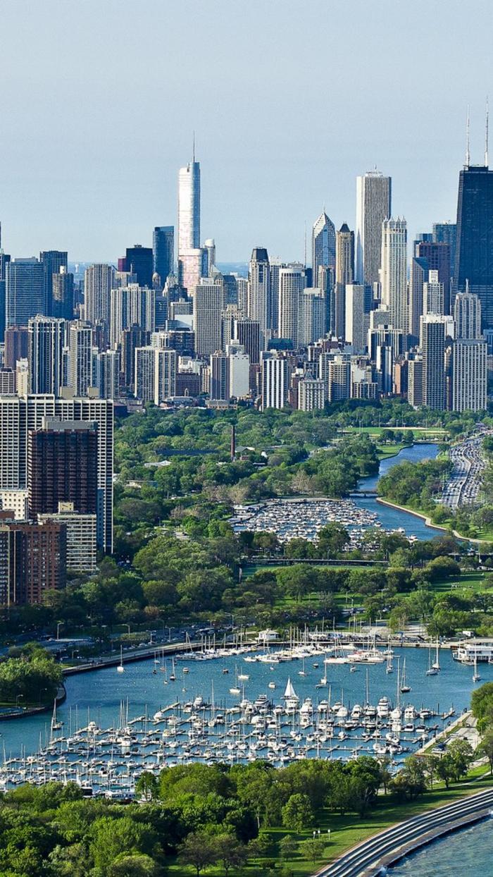 chicago-les-plus-hauts-gratte-ciel-du-monde-residentiel-à-chicago-une-rivière-autour-de-la-ville-un-joli-park