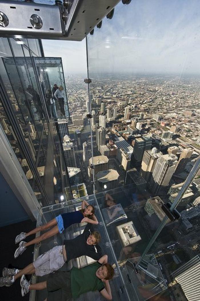 chicago-les-plus-hauts-gratte-ciel-du-monde-residentiel-avec-un-sol-en-verre-sol-transparent