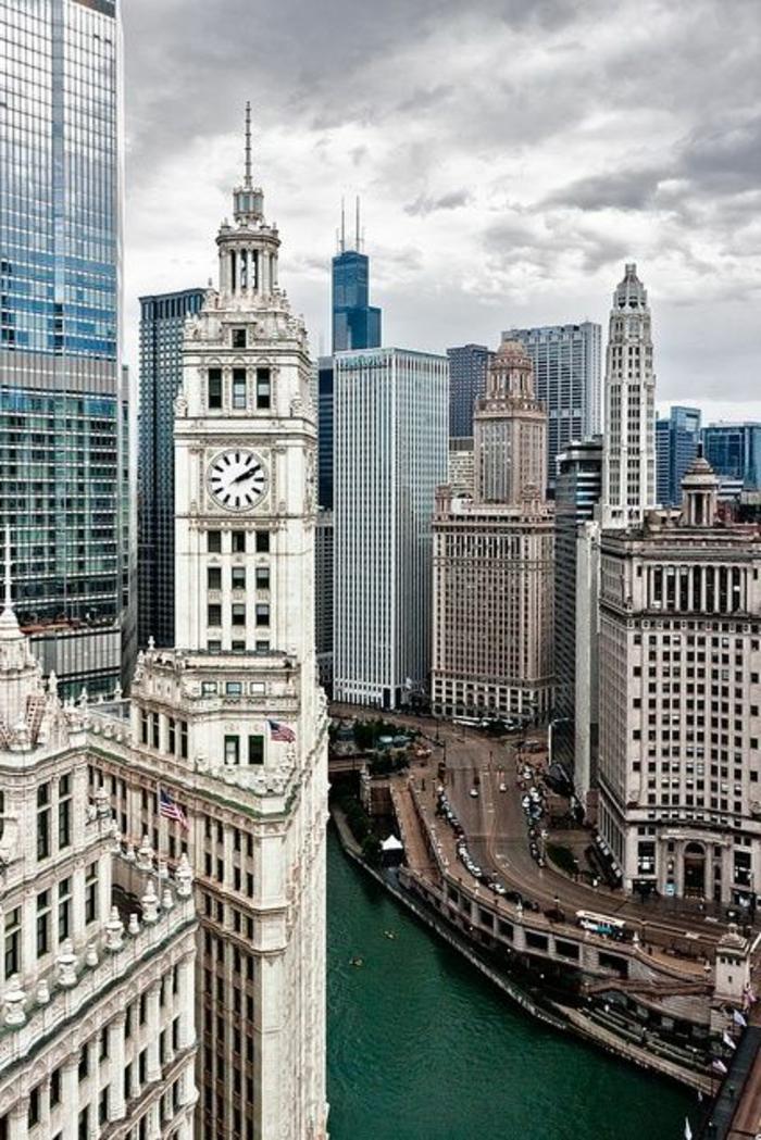 chicago-les-plus-hauts-gratte-ciel-du-monde-residentiel-joli-batiment-mondial-vue-vers-la-ville-
