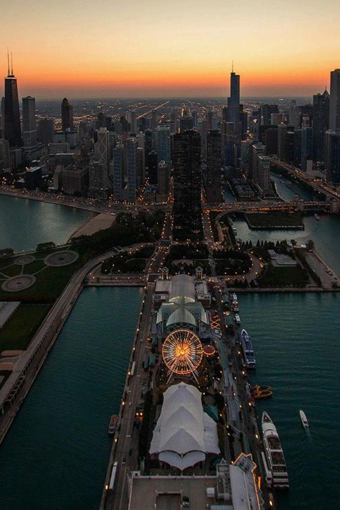chicago-les-plus-hauts-gratte-ciel-du-monde-residentiel-joli-batiment-mondial-vue-vers-la-ville