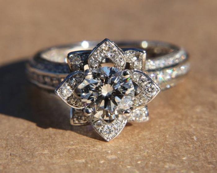 choisir-la-meilleure-bague-fiançaille-avec-diamants-joli-modele-de-bague-fiançaille-moderne