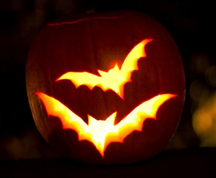 citrouilles-halloween-le-meilleur-design-déco-idée-batman-éclairé