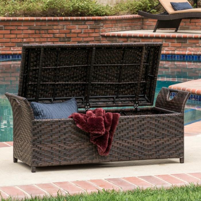 coffre-banc-coffret-bois-idées-extérieur-aménagement-beau-piscine-idée-rangement
