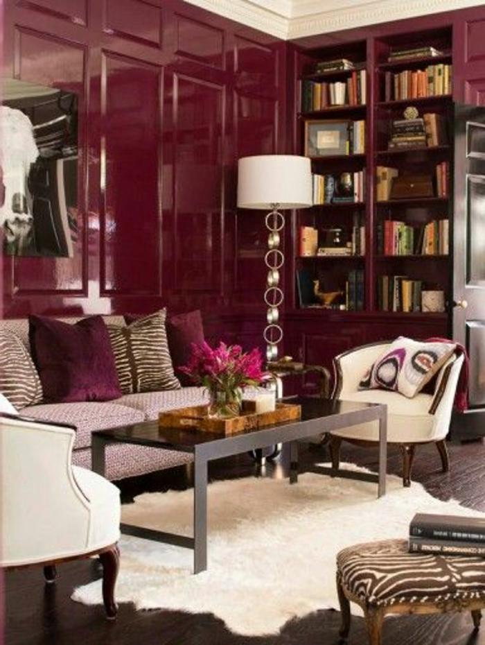 couleur-bordeau-pour-ajouter-une-touche-de-couleur-a-l-interieur-moderne-et-tapis-blanc