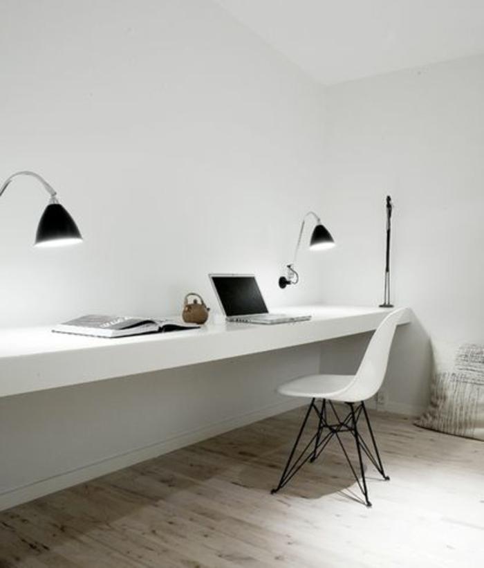 couleur-feng-shui-bureau-murs-blanches-et-sol-en-parquet-clair-murs-blanches-et-lampes-de-bureau-noires