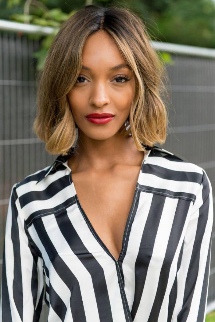 coupe-carré-plongeant-coiffure-stylée-femme-moderne