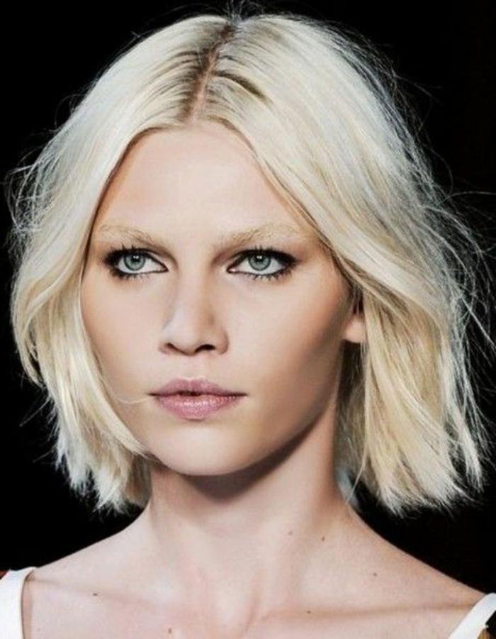 coupe-cheveux-court-femme-2015-yeux-bleus-levres-roses-peau-pale-jolie-fille