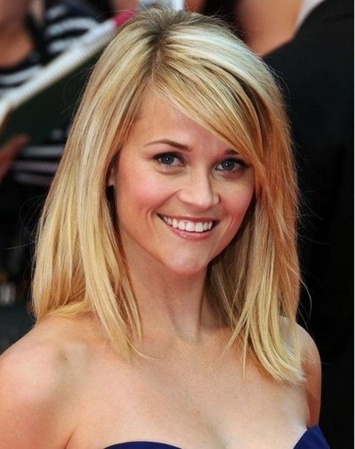 coupe-de-cheveux-dégradé-femme-moderne-coupe-de-cheveux-porte-par-les-stars-cheveux-blonds