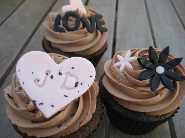 cupcake-chocolat-glacage-pour-cupcake-coeur-idée-st-valentine