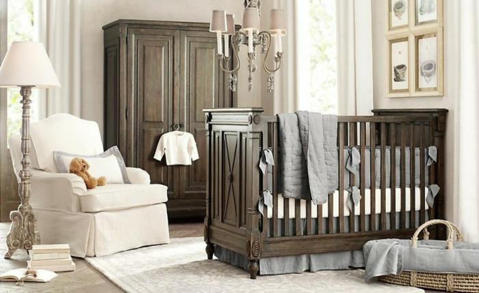 décoration-chambre-bébé-fille-comment-décorer-lits-à-barreaux-lit-bébé-enclos