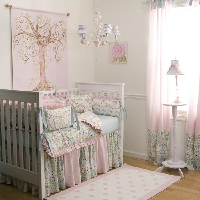 deco-chambre-bebe-fille-belle-en-couleur-idées-originalies-rose-arbre