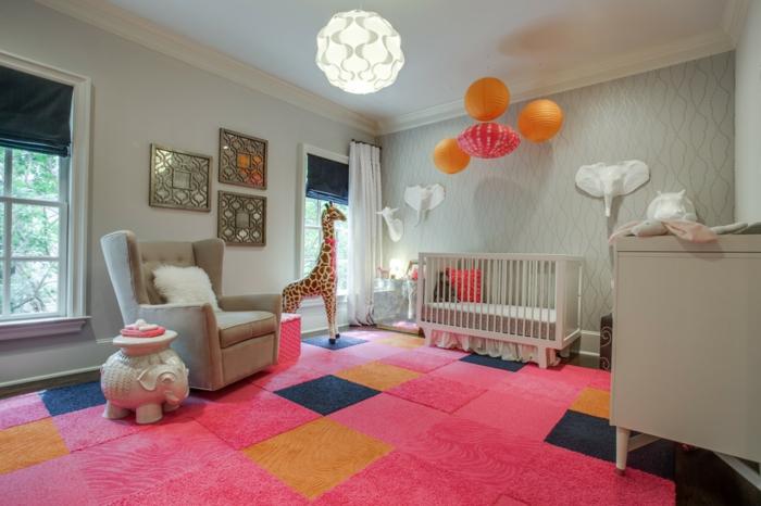 deco-chambre-bebe-fille-belle-en-couleur-idées-originalies-tapis-rose