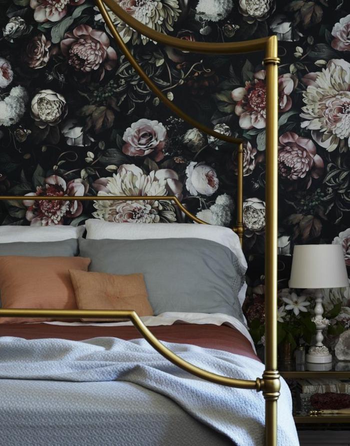 decouvrir-la-beauté-des-papier-peint-fleuri-pour-la-salle-à-coucher-moderne