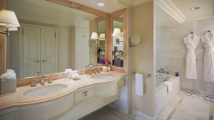 Meuble double vasque 50 id es am nagement salle de bain for Meuble classique chic
