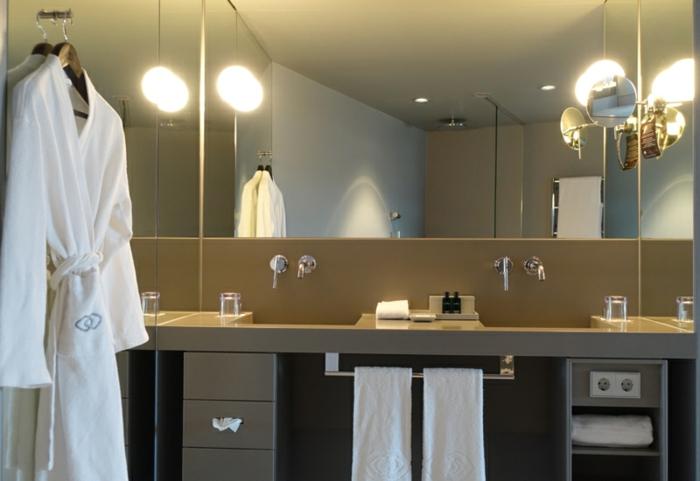 des-meuble-salle-de-bain-double-vasque-gris-idées-originales-moderne