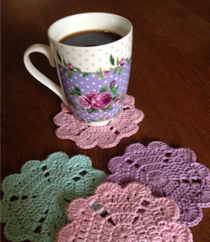 dessous-de-plat-ikea-pour-vos-tasses-du-cafe-ou-du-the-dessous-de-verre-tricotes