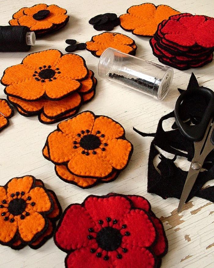 dessous-de-plat-ikea-que-vous-pouvez-faire-vous-memes-en-forme-de-fleurs-oranges