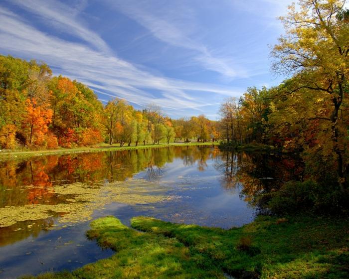 en-automne-photo-image-paysage-d-automne-belle-nature-rivière-joli