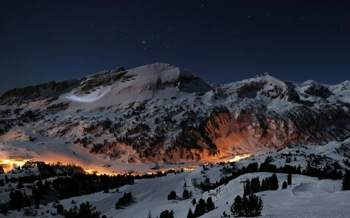 enneigement-belle-photo-montage-et-neige-vue-magnifique-beauté