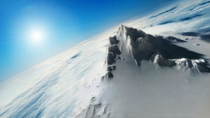 enneigement-belle-photo-montage-et-neige-vue-magnifique-sommet-neige