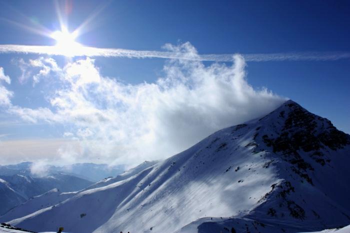 enneigement-pyrénées-fantastique-image-montagne-neige-nature