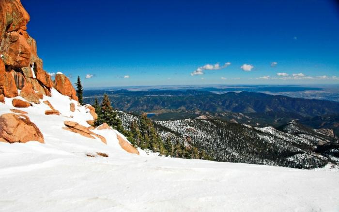 enneigement-pyrénées-fantastique-image-montagne-neige-vue-panoramique