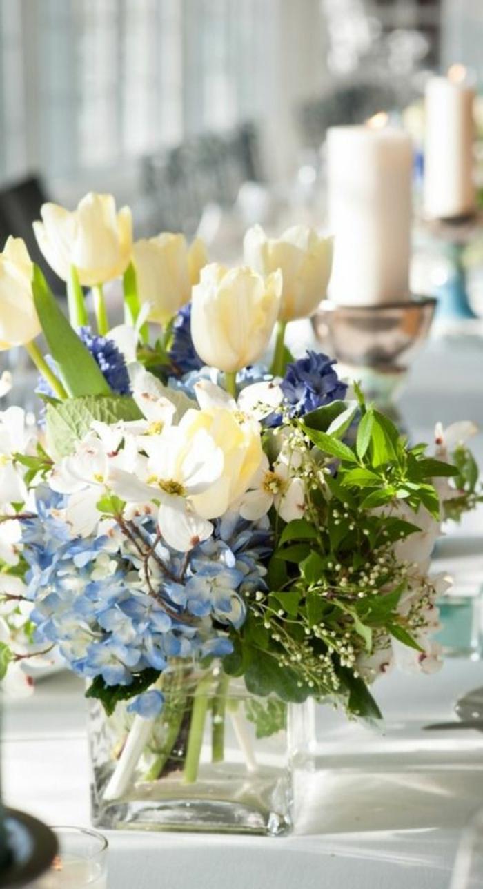 enorme-bouquet-de-fleurs-colorés-pour-bien-decorer-la-table-avec-fleurs