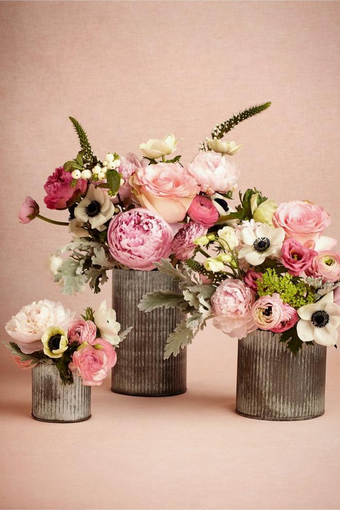 enorme-bouquet-de-fleurs-colores-pour-decorer-la-tabble-un-joli-bouquet-de-fleurs-colores