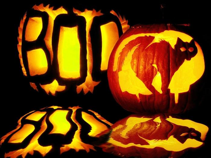 faire-une-citrouille-d-halloween-la-fête-de-Toussaint-boo-et-chat-noir