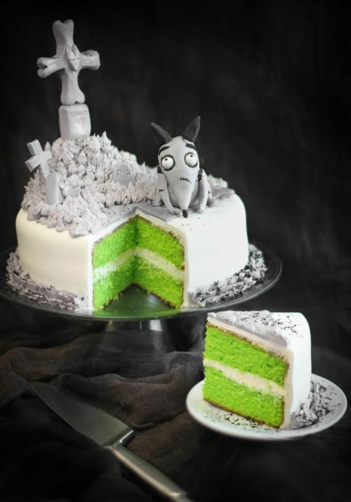 gâteau-Halloween-le-meilleur-gateau-halloween-blanc-fondant