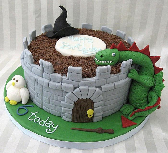 gâteau-chateau-garçon-gâteau-d-anniversaire-garçon-ronde-castle