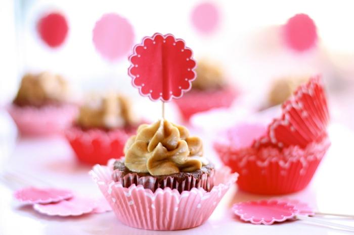 glacage-de-cupcake-glacage-a-cupcake-déco-gateau-rose-de-caramel